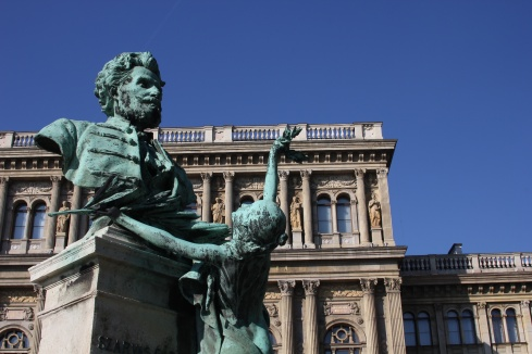 A statue in front of the Hungarian Academy of Sciences.